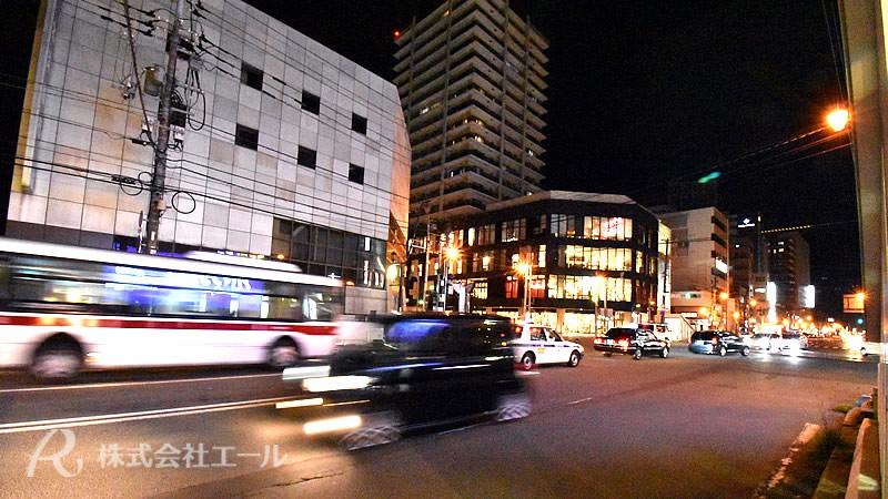 丸井今井函館店近くの五稜郭中心街の夜